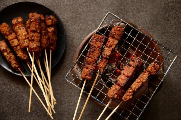 12 Rekomendasi Makanan Aneh di Indonesia Ini Ternyata Bernutrisi, Percaya Nggak?