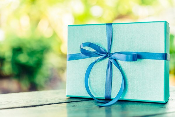 A Complete Guide To Picking Out Special Gifts For Your Husbands Birthday
