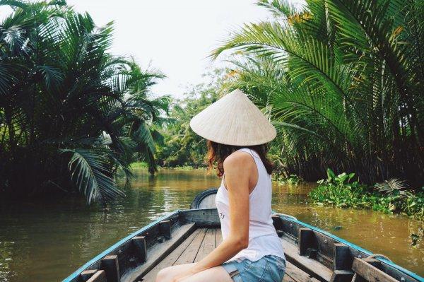 Berkunjung ke Vietnam? Ini 10 Oleh-oleh yang Mesti Anda Bawa Pulang