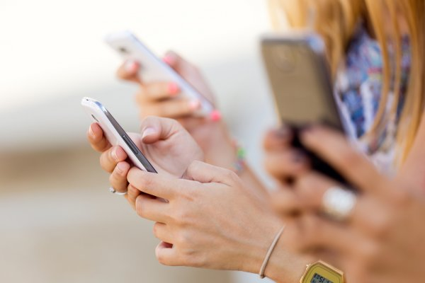 Ingin Ganti Ponsel Baru? 8 Rekomendasi Smartphone Android Terbaik Rp 5 Jutaan Ini Bisa Jadi Andalan (2019)