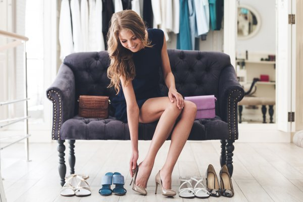 10 Rekomendasi Model Sepatu Wanita di Shopee 2020! Mana nih yang Belum Kamu Miliki?