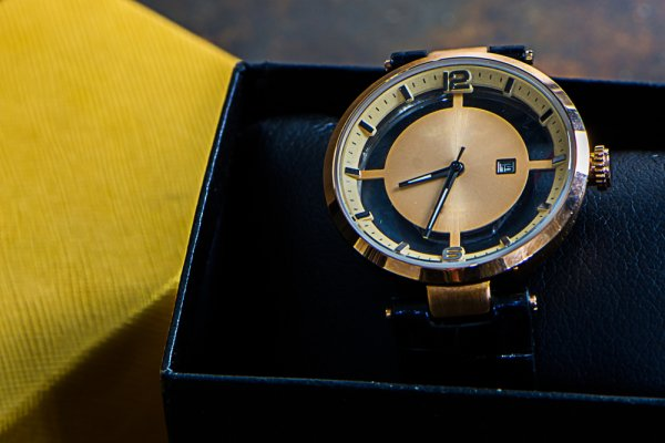 hot sale online c2127 105b6 ウブロのメンズ腕時計おすすめ&人気ランキングTOP10【2019年 ...