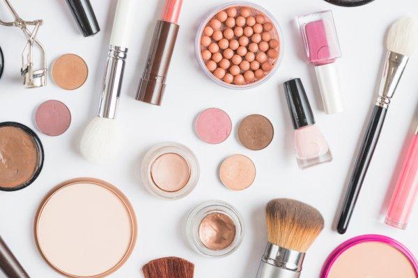 10 Rekomendasi Kosmetik Korea yang Bikin Kamu Secantik Aktris Korea! (2021)