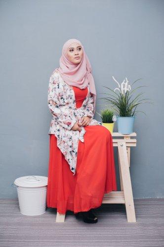 Siap Tampil Stylish? 9 Fashion Wanita Muslimah Ini Bikin Penampilanmu Trendi namun Tetap Syar'i
