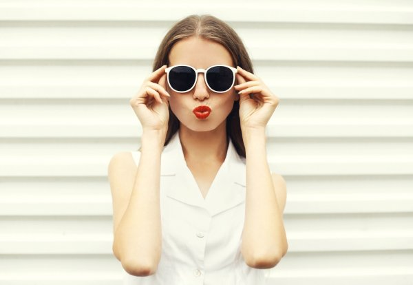 10 Pilihan Kacamata Bulat Wajib Coba untuk Kamu Tampil Keren (2018)