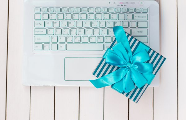 Buy the Best Gift for Boyfriend's Birthday Online, Over a Dozen Ideas to Get You Started!