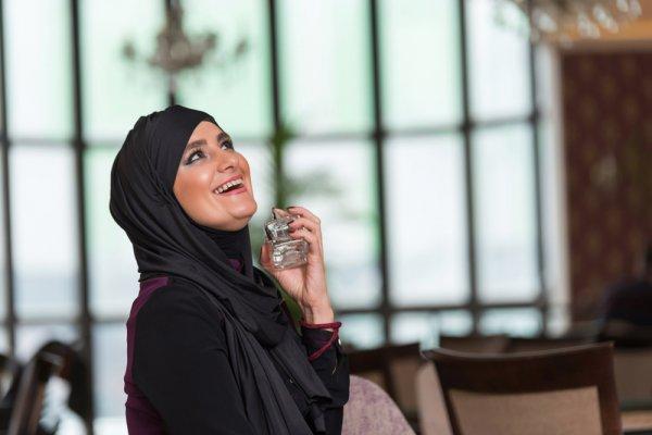 Jangan Ragu Pakai Parfum, Ini Rekomendasi 10+ Parfum Halal untuk Anda
