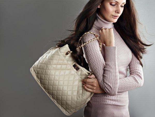 11 Tas Wanita Branded Untuk Anda Yang Tidak Mau Kalah Gengsi 6c74015812