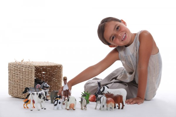Farm Toys to Grow the Creativity of the Little Farmer in 2020: Your Kids Will Love These 10 Exciting Farmhouse Toys