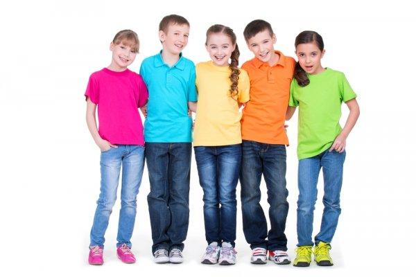 Tips dan Cara Memilih Kaos Polos Anak & 10 Model Populernya! (2018)