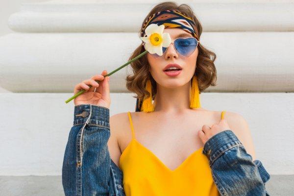 Mau Tampil Semakin Fashionable? Pakailah 8 Rekomendasi Produk Fashion Wanita yang Jadi Tren di Tahun 2019