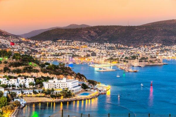 Liburan Asyik dan Berkesan di 12 Tempat Wisata Favorit Turki
