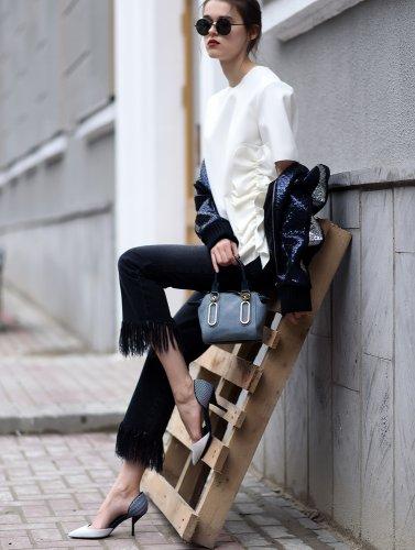 Yuk, Ikuti Street Style yang Tengah Hits dengan 10 Rekomendasi Celana Street Berikut!