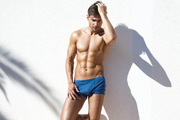 Nyaman Berenang Dengan 10 Model Celana Renang Speedo Pria Berkualitas Dan Stylish