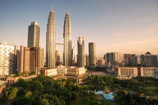 Liburan ke Luar Negeri Nggak Ada Salahnya, kan? Datanglah ke 10 Tempat Wisata di Kuala Lumpur Ini. Liburan Dijamin Asyik!