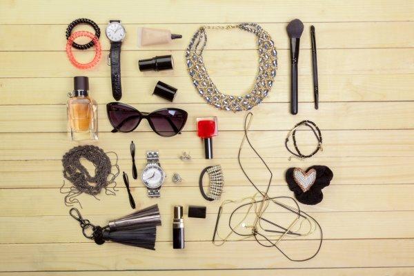 9 Tren Aksesoris Wanita Terbaru Yang Bisa Jadi Fashion Statement Kamu