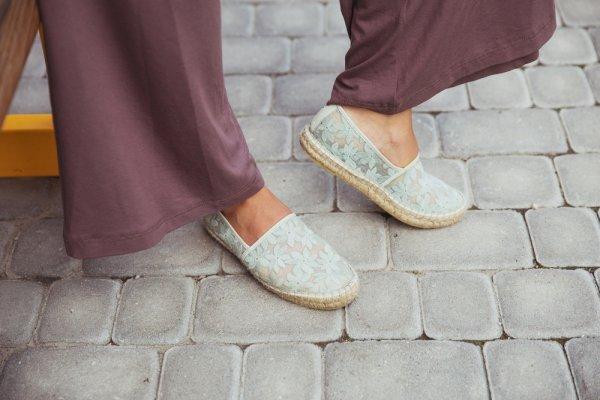 Aktivitas Semakin Fleksibel dengan 10 Rekomendasi Rok Celana (Rocella) untuk Wanita Agar Tampil Semakin Nyaman!