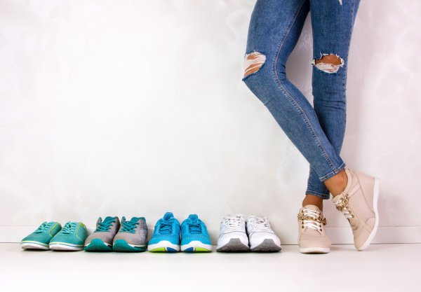 Inilah 8+ Merek Sneakers yang Membuat Gaya Anda Semakin Keren (2019)