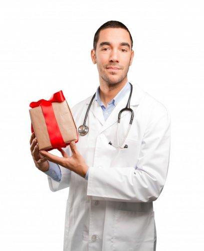 अपने प्यारे डॉक्टर को उसके बाद आपको दिए गए आराम के बदले दे यह 10 बेहद सुंदर और शानदार उपहार । साथ में कुछ सुझाव और महत्वपूर्ण बातें ।(2019)