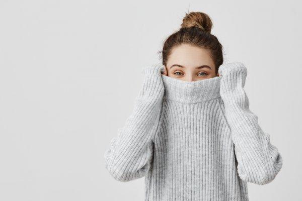 10 Rekomendasi Sweater Korea yang Bikin Penampilanmu Terlihat Lucu dan Menggemaskan (2019)