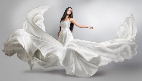 10 Pilihan Gaun Putih Ini Membuat Wanita Semakin Terlihat Bersinar