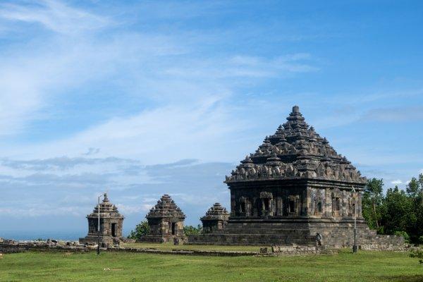 Wonderful Indonesia, Inilah 10 Destinasi Wisata di Tanah Air yang Wajib Kamu Jelajahi
