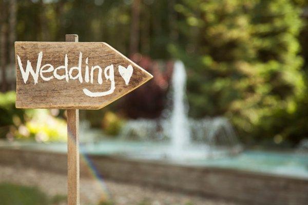 Kalau Kantong Lagi Tipis, Berikut Rekomendasi Kado Pernikahan Murah yang Paling Pas (2017)