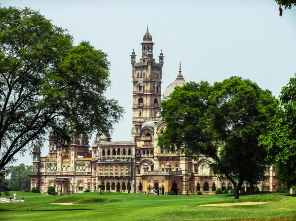 10 Best Places to Visit in Vadodara, Where to Shop and What to Eat. Don't Miss Out on the World's Tallest Statue Either (2020)!