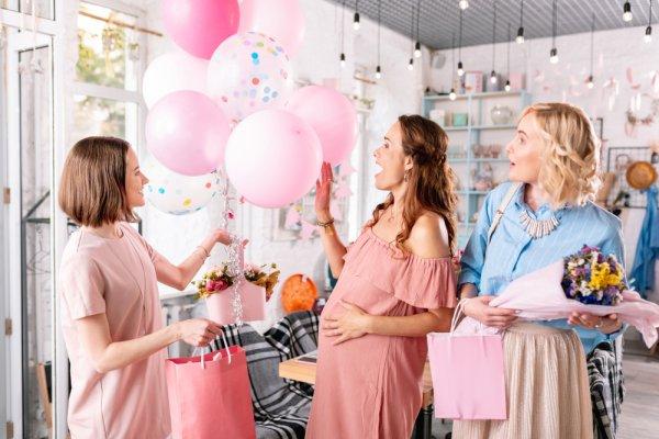 गोद भराई के रस्मों के चेहेल-पहल में मेहमानों का भी ध्यान रखें: बेबी शावर पार्टी के लिए 10 बेहतरीन रिटर्न गिफ्ट, क्योंकि उपहार सभी को पसंद हैं, चाहे वह होने वाली माँ या उसके पार्टी में आये हुए मेहमान (2019)
