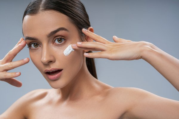 Does the Appearance of Fine Lines Around Your Eyes and Forehead Give You Stress(2020)? Fret Not, We Will Show You How to Deal with Wrinkles with Home Remedies!