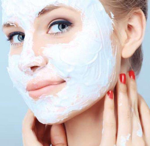 Miliki Kulit Putih Sehat dengan 11+ Masker Pemutih Pilihan Berikut Ini