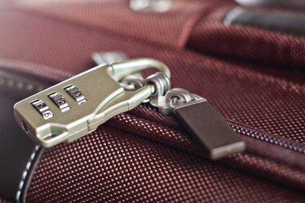 Pernah Mengalami Koper Dibongkar Orang? Ini 10 Rekomendasi Gembok Koper untuk Keamanan Ekstra Saat Travelling