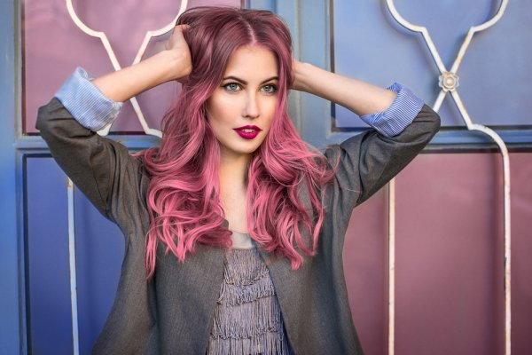Mudahnya Eksperimen Warna Rambut dengan Rekomendasi Hair Color Spray Ini! (2020)