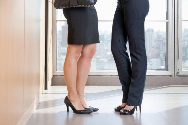 Percaya Diri Menapaki Karir Dengan 7 Pilihan Sepatu Kerja Wanita Cantik Nan Elegan