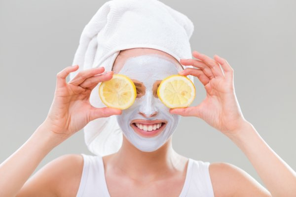 Ingin Wajah Tampak Cerah Dan Segar? Coba 10 Rekomendasi Produk Masker Lemon Yang Hits Ini!