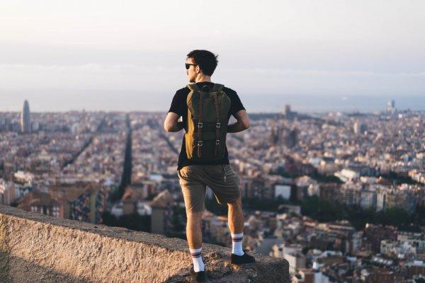 Buat Si Petualang Outdoor, 13 Rekomendasi Tas Anti Air Ini Wajib Dimiliki Agar Perlengkapan Anda Tetap Aman