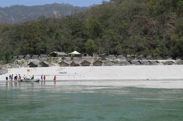 Lose Yourself in the Wild Beauty of River Ganges the Right Way by Camping at Rishikesh: 10 Campsites for an Adventurous Camping Experience!