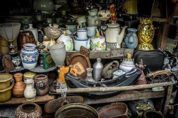 5 Pasar Benda Antik di Jakarta dan 10 Rekomendasi Barang Antik untuk Koleksi Anda