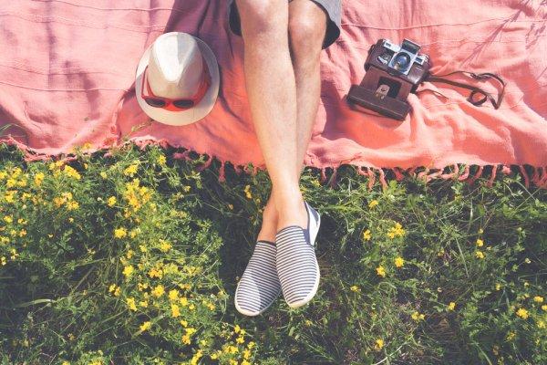 Mau Sepatu Nyaman dan Praktis? 10 Rekomendasi Sepatu Slip On Ini Wajib Dipilih para Wanita Tanpa Perlu Ribet (2019)