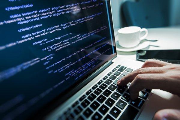 Daftar 12 Laptop dengan Spesifikasi Tinggi untuk Programmer, Gamer, dan Desainer Grafis