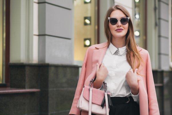Pilihan Atasan Kemeja Wanita untuk Sehari-hari