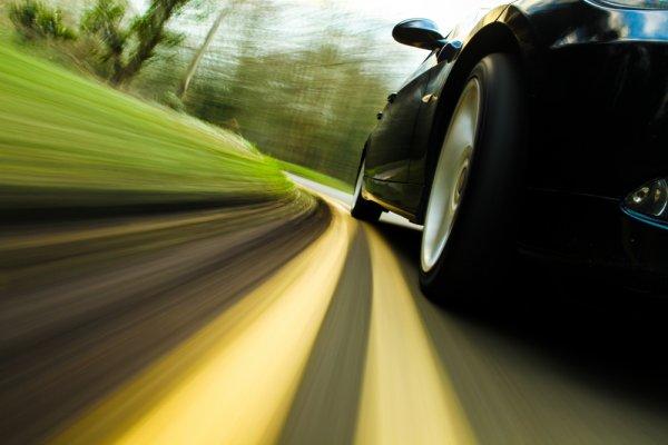 10 Rekomendasi Ban Mobil Termurah dan Berkualitas untuk Si Roda Empat Kesayangan (2020)