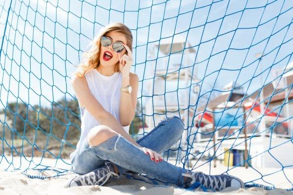 Kamu Bisa Tampil Kece dengan 10 Rekomendasi Jeans Wanita Terbaru Ini (2020)
