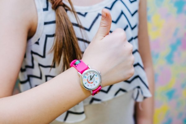 Bergaya Ceria dan Stylish dengan 10 Ragam Jam Tangan Wanita Lucu, Worth To Buy!