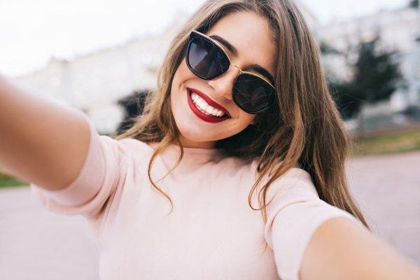 10 Kacamata Chanel Ini Bikin Kamu Tampil Makin Glamor dan Stylish!