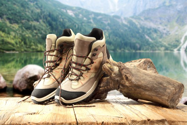 It is Very Crucial to Choose the Right Footwear When You're Out Trekking: Tips on Choosing Trekking Shoes + Best Pair of Trekking Shoes You Can Buy Online for Men and Women (2020)