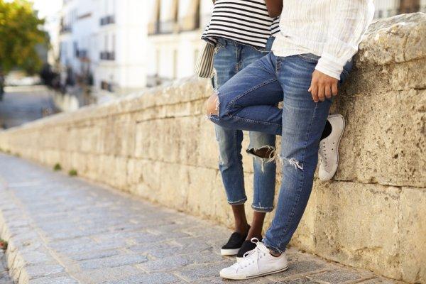 Cara Mudah Membuat Celana Jeans Sobek Pria untuk Tampil Trendy di 2018