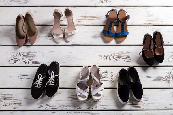 10 Pilihan Seru Sepatu yang Cocok dengan Celana Kulot Ini akan Membuat  Penampilan Anda Makin Stylish b88cdb4202
