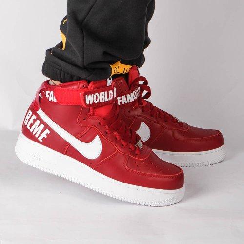Fashionable dan Trendi dengan 11 Rekomendasi Sneakers Merek Supreme Berkualitas yang Berkolaborasi dengan Brand Sepatu Ternama
