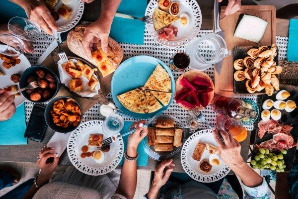 Jangan Lewatkan Makan Siang, Nikmati 10 Rekomendasi Menu yang Nikmat dan Sehat Ini